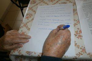 Más-de-1.500-voluntarios-escriben-cartas-contra-la-soledad